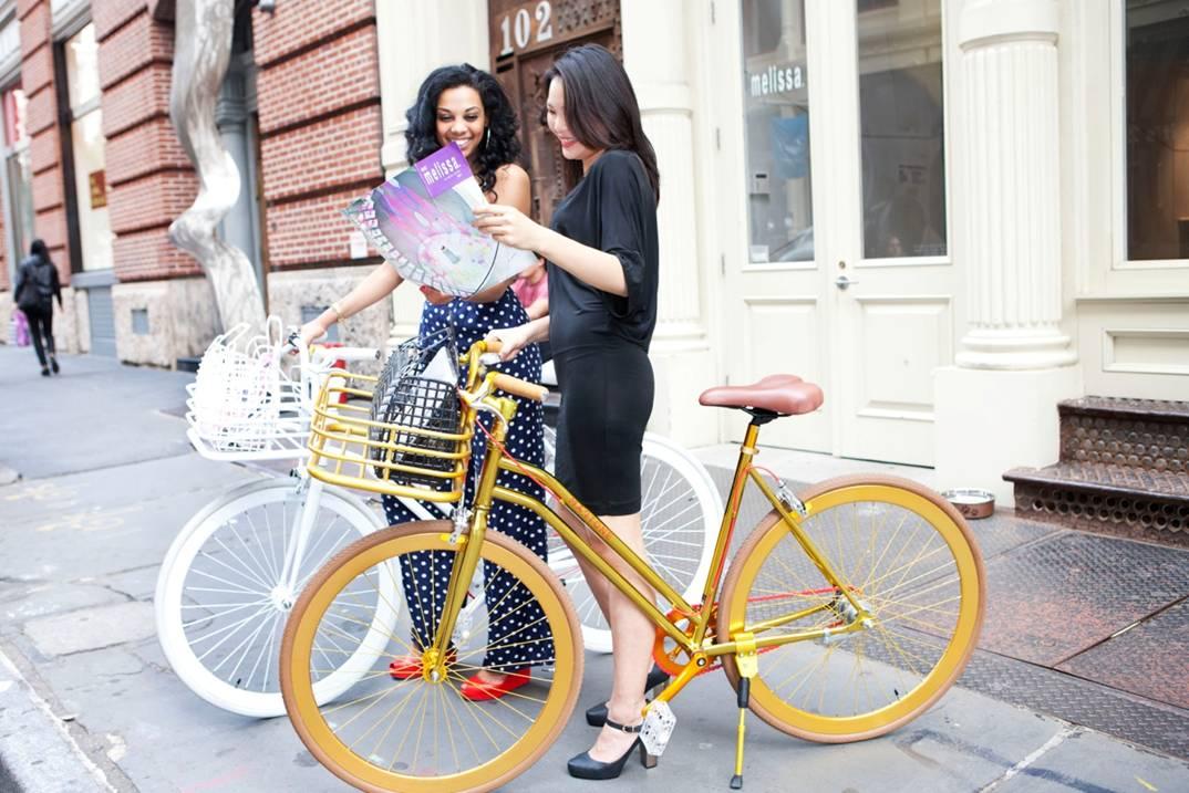 fashion-bike-new-york-melissa-heels-martone-cycling