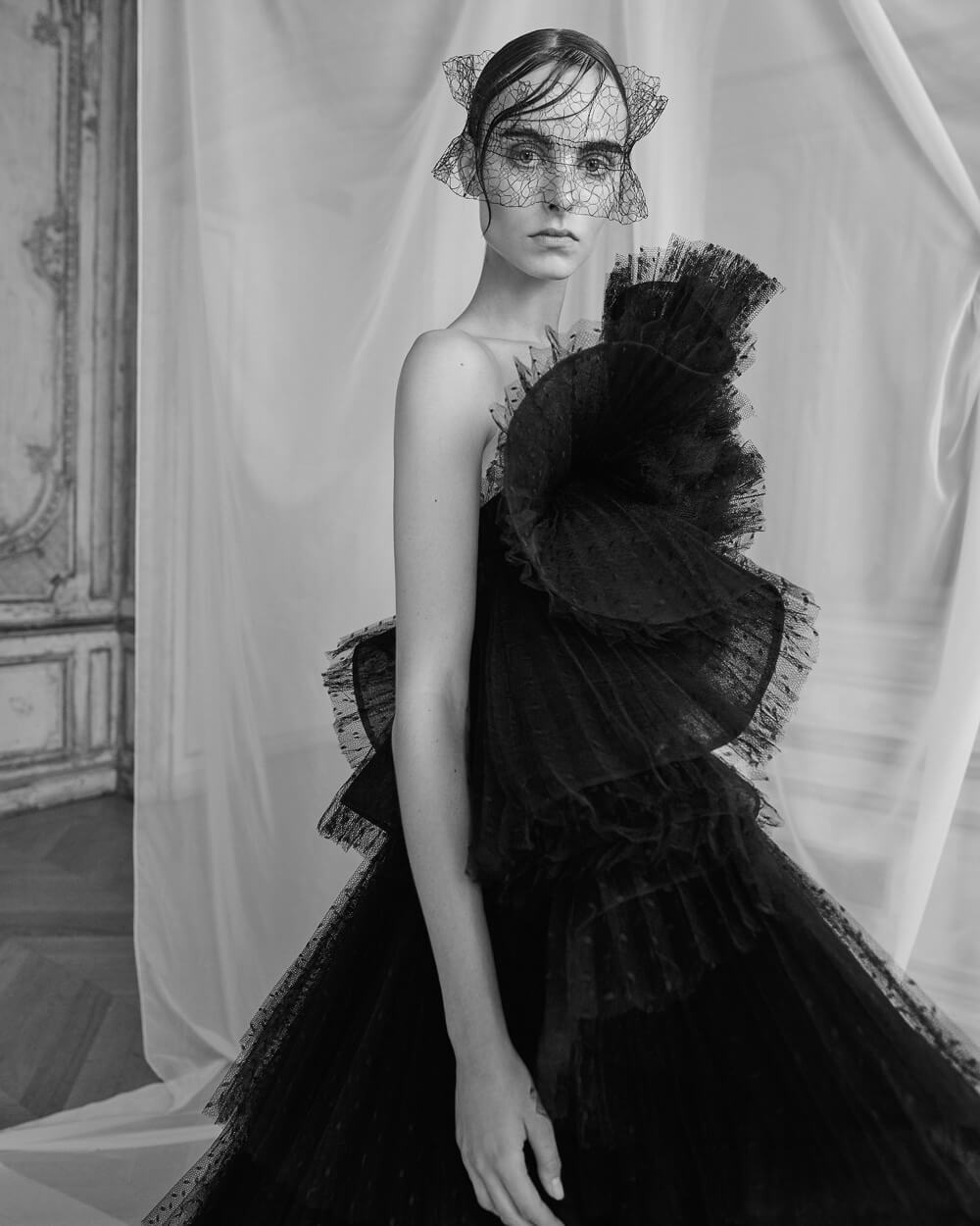 Ashi-Studio-Autumn-Winter-2018-Estella-Brons-Andreas-Ortner-11